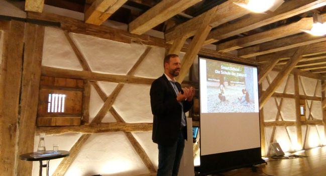 GMS Rektor Micha Pallesche spricht über die Schule der Zukunft