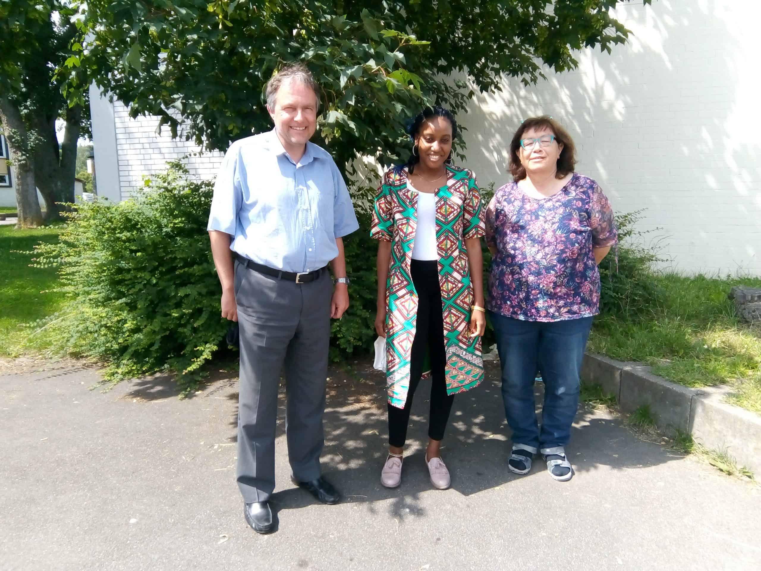 Besuch aus unserer Patenschule in Kamerun am 26.06.2020 (Mitarbeiterin der Kameruner Botschaft)